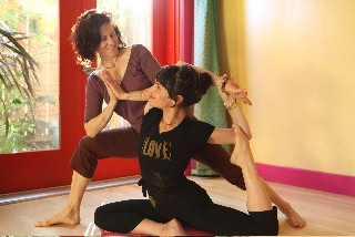 Dana Flynn & Jasmine Tarkeshi (NY & SF) co-founder's – Laughing Lotus Yoga